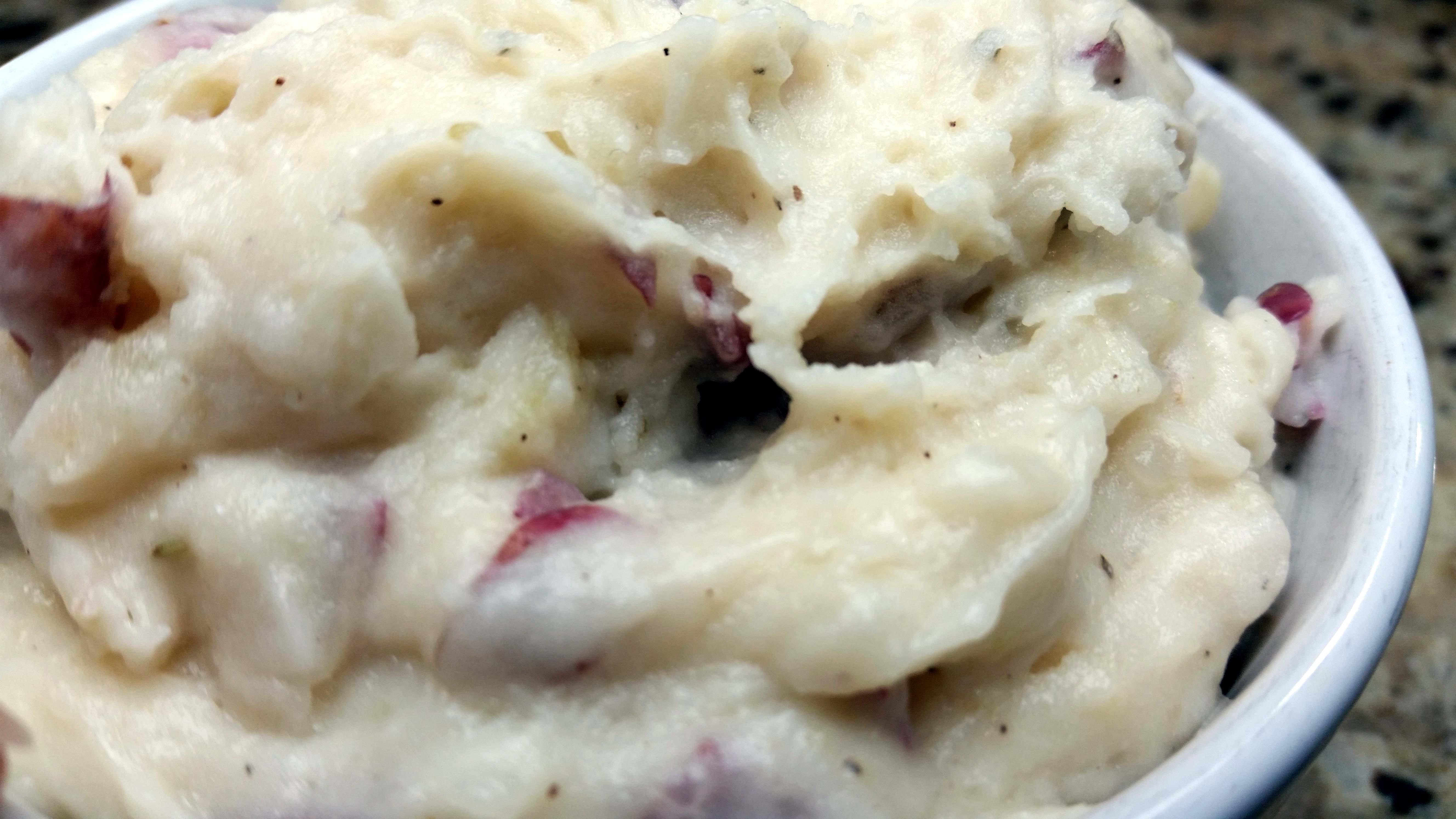 Parmesan Garlic Thyme Mashed Potatoes