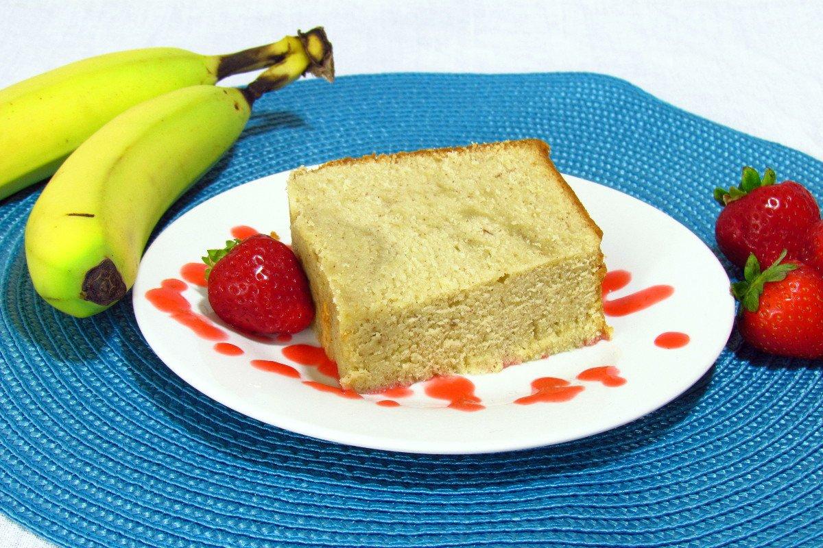 Banana Pound Cake with Strawberry Puree